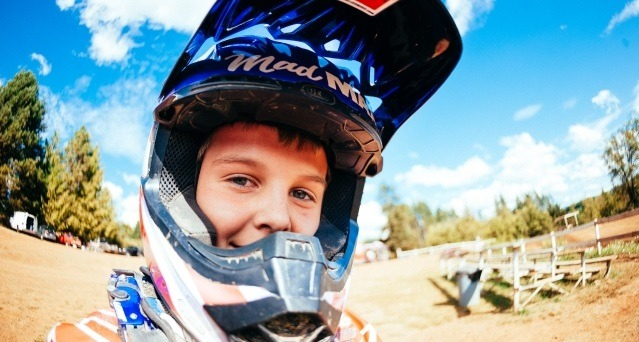 sicurezza casco moto cross bambino